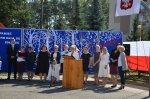 Uroczystość odsłonięcia tablicy pamiątkowej wSzkole Podstawowej nr 2 im. Fryderyka Chopina wMałkini Górnej
